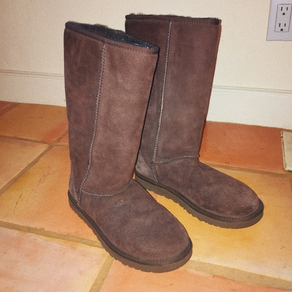 UGG Shoes - 🌲UGGS🎄 tall brown ugg boots